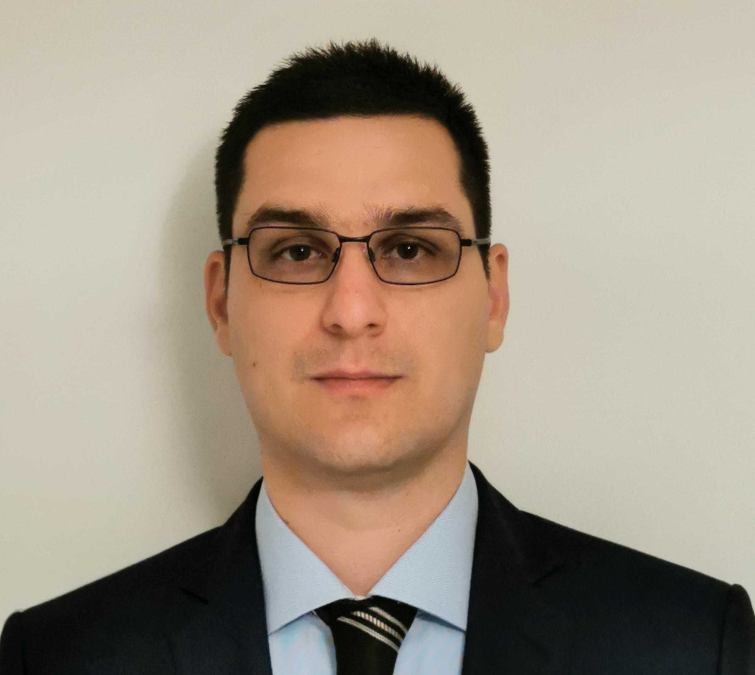 Dr. Catalin-Iulian Efrimescu,